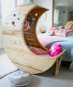The-Bedding-Sweet-Moon-Crib-For-Baby.jpg